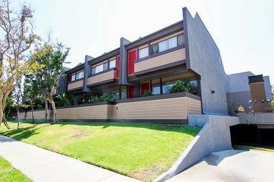 Hancock Park Condos For Sale in Mid Wilshire - Los Angeles, CA 90004